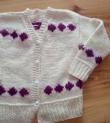 Рачно плетено џемперче