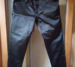 Pantaloni-farmerki