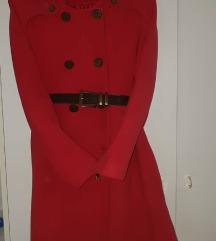 Crven kaput vo odlicna sostojba + podarok
