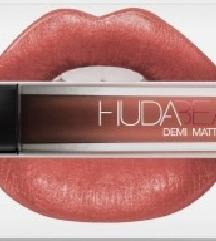 Nov karmin Huda beauty