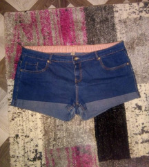 нови кратки панталони голем број
