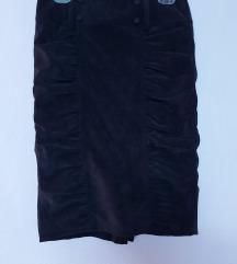 Црна класична сукња