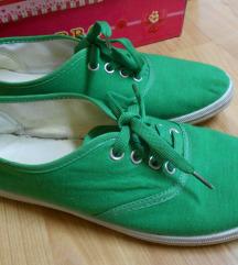 Zeleni patiki 38