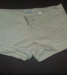 Kremovi pantaloncinja