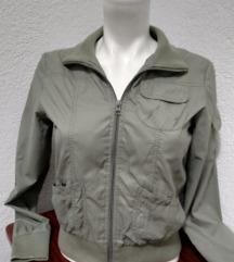tenka kratka jakna s
