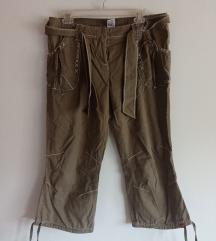 Маслинести панталони