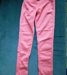 Pantaloni namaleni