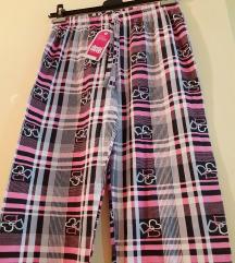 розеви панталони со етикета