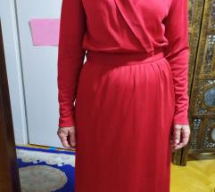 Црвен фустан со преклоп