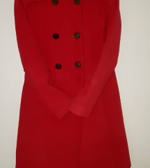 Crven kaput vo odlicna sostojba+ 2 podaroci