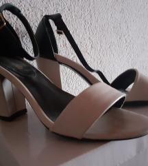 Sandalki ^300denari