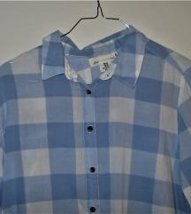 Сина карирана кошула