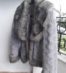 Зимска бунда. Величина М. Цена 600 денари