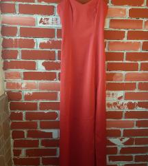 Crven satenski fustan so shlic