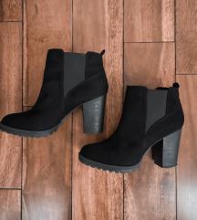 Bershka кратки чизми