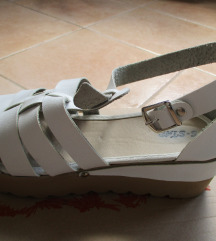 Popust!!Beli sandalki-novicki