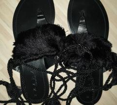 Novi kožni sandali so resi-by Zara