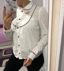 Павиа бела кошулка