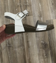 Кожни сандали
