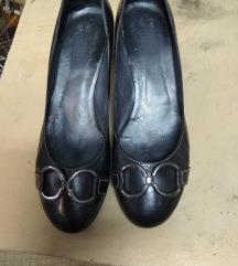 Кожни црни чевли
