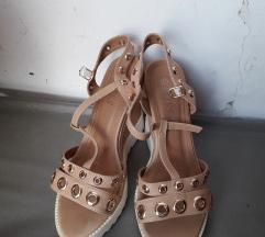 Sandali so nitni