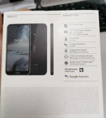 Neotpakovan mobilen telefon