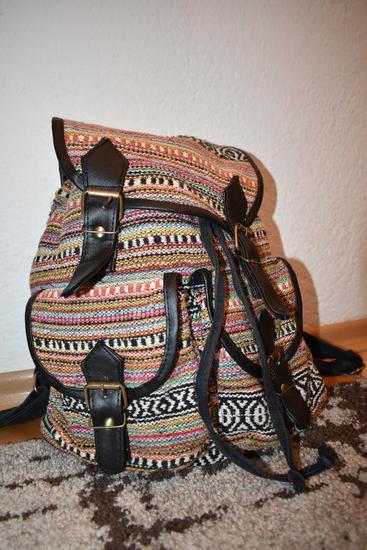 бојена чанта
