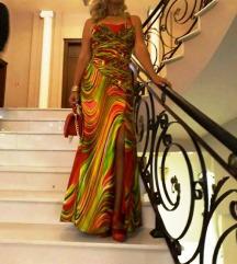 Svecen fustan -prekrasen