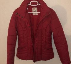 nova jakna crvena M