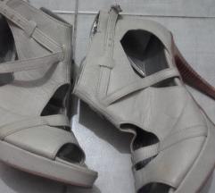 Sandali 37
