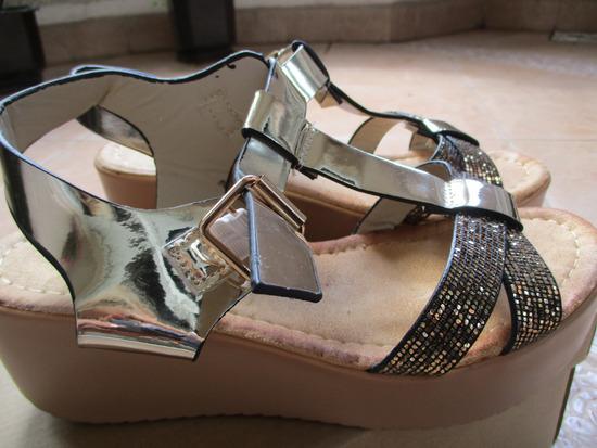 Zlatni sandali