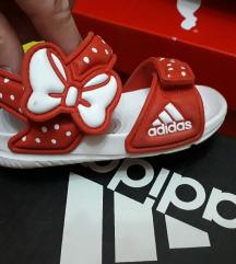 Prodavam sandali za deca Adidas