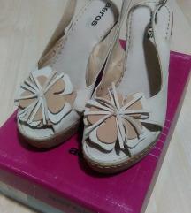 Bezh sandali