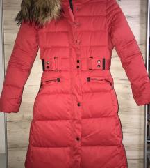 Nova crvena zimska jakna so etiketa