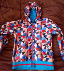 Detska jakna za 10-11 so dve lica