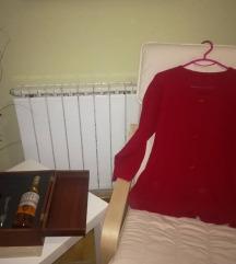 Црвена дебела плетена блуза